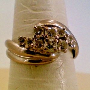 Jewelry - 18K White Gold Lady's Vintage Diamond Cluster Ring